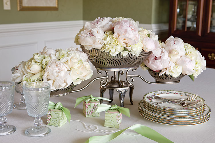 Wedding Belles: Throw a Bridesmaid Luncheon