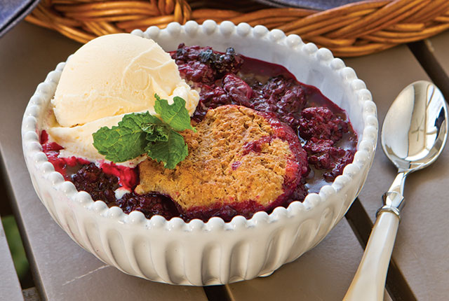 Blackberry Cobbler Recipe - Southern Lady Magazine