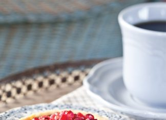 gracious-occasion-chocolate-pomegranate-tartlets