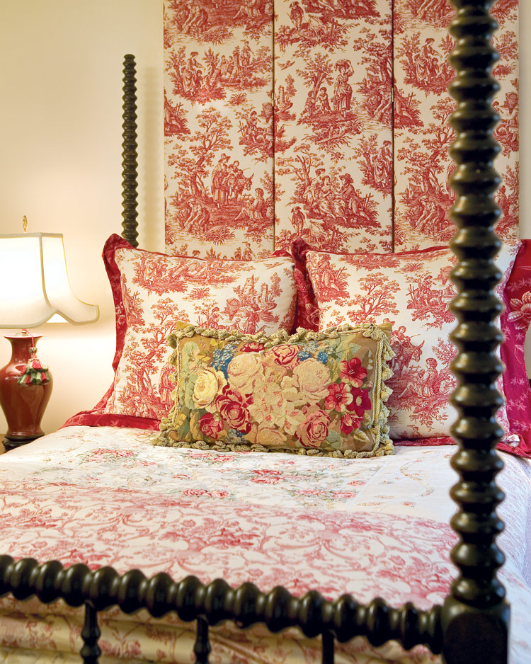Classic Décor: Using Roses to Embellish Your Home