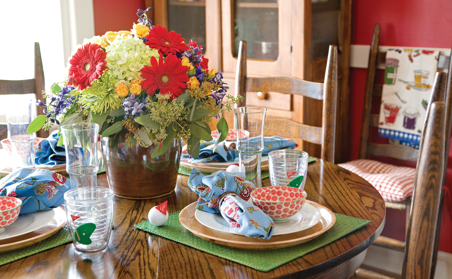 Photo of golf themed Father's Day table setting