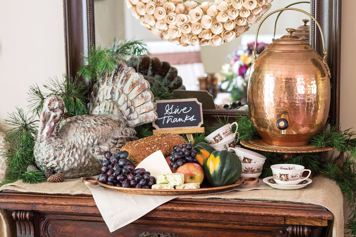 set a thanksgiving table inspired by the harvest. Black Bedroom Furniture Sets. Home Design Ideas