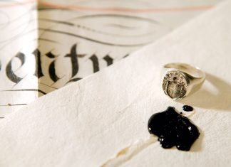A picture of a letter and letter seals