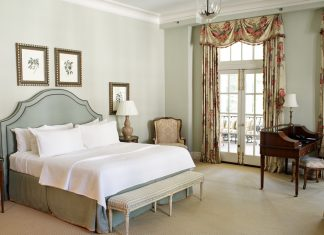 A picture of a guest room in the Duke Mansion