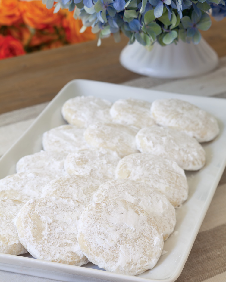 A picture of Lemon Cooler cookies