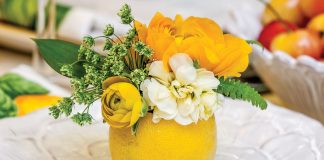 Spring entertaining ideas, lemon vase