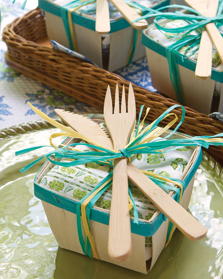 Spring entertaining ideas, napkin basket