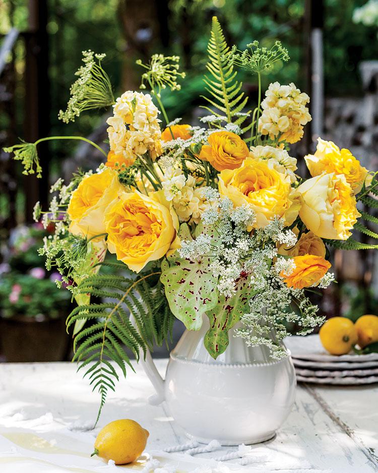 Summer Blooms, lemon yellow bouquet
