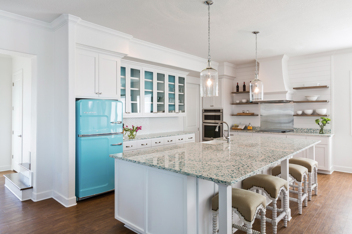 Coastal current beach house style southern lady magazine for Dynamic kitchen design interiors