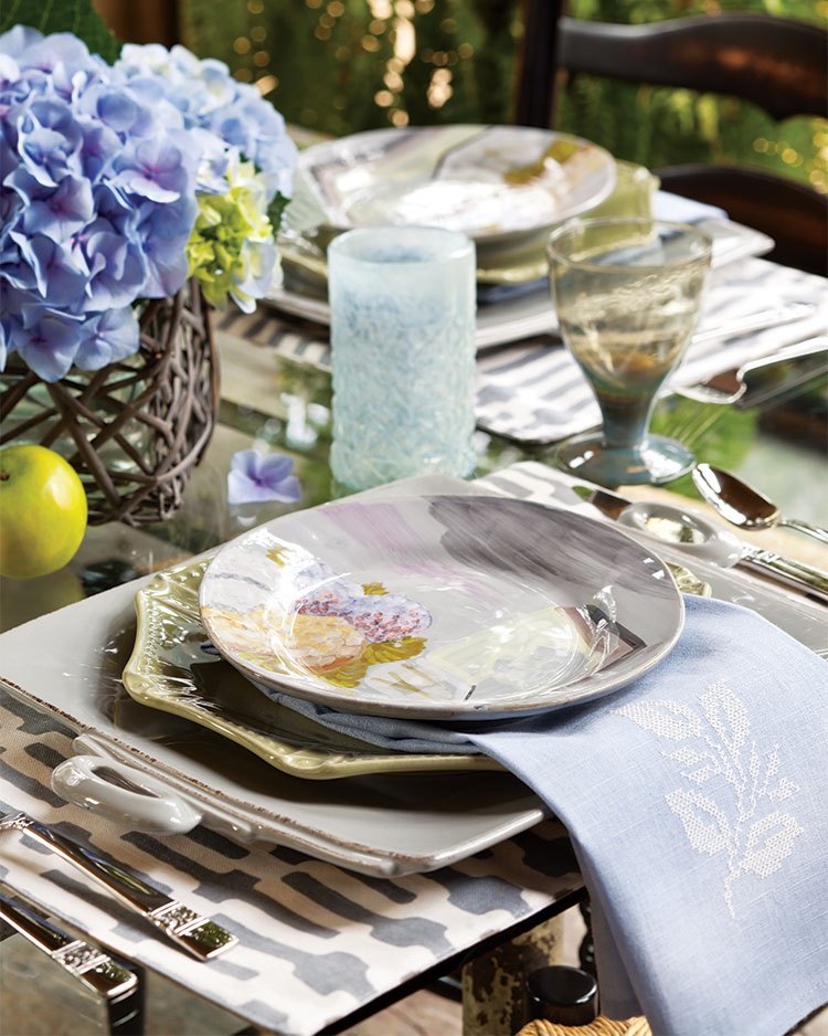a picture of an easy breezy alfresco place setting