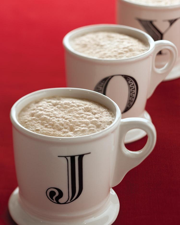 Seasonal Sippers Gingerbread Latte.jpg