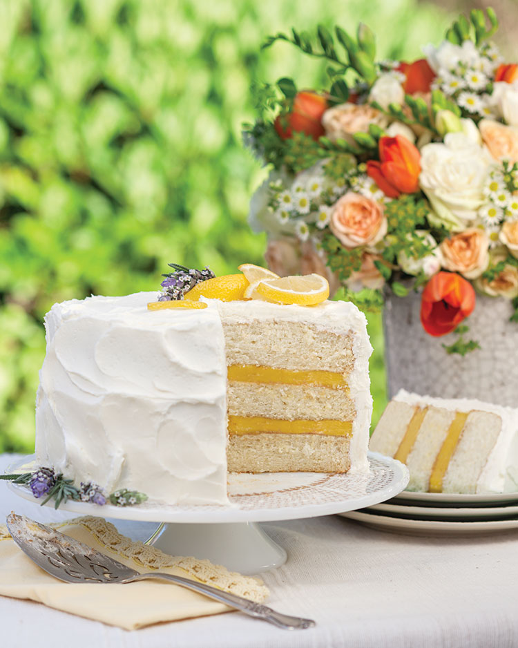 Dreamy Lemon Cake with Limoncello Frosting