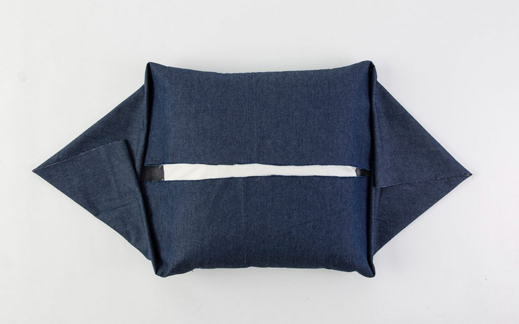 DIY No-Sew Pillow Tutorial