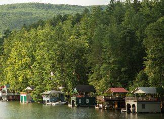 Two Days Away:Lakeside Idyll