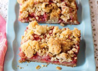 Strawberry RhubarbCrumble Bars